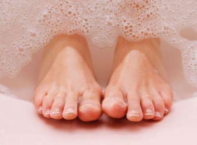 wash-feet